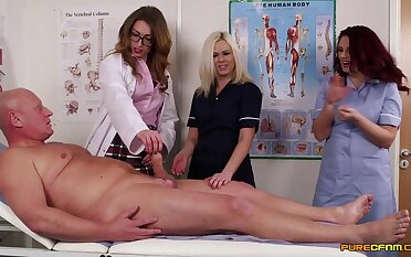 Doctor Anna Rapture teaches her students how to suck a large dick