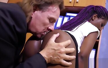 German Ebony Grub Streeter In Office Banging