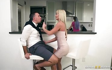 Brazzers - Dirty milf Tylo Durran needs rough sex