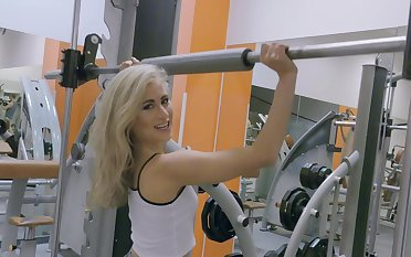 Blonde slut goes wild on cock during morning workout