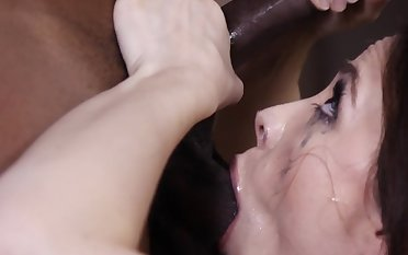 Premium milf amazes with her one of a kind oral