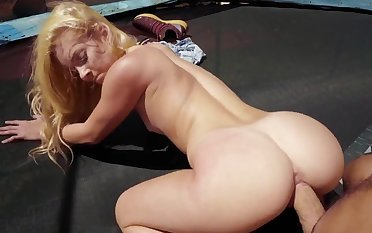 Top babe spins the dick in both holes
