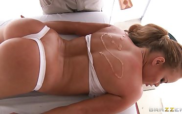 Ramon allures girl through the hot massage