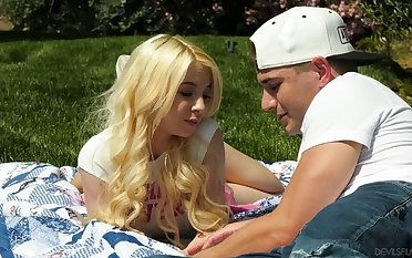 Juicy blond babe Kenzie Reeves is having crazy quickie with her boyfriend anent the non-private