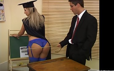 Francesca Felucci and her professor enjoy a fuck in the classroom