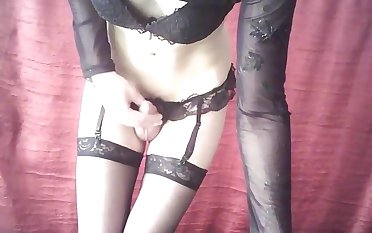 Knocker shemale In nylons Solo Style