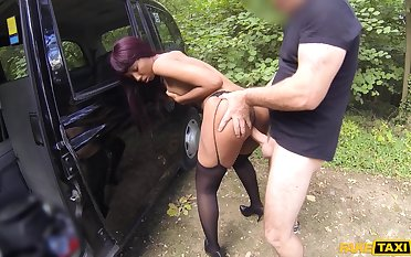Sweet amateur tries anal for a ride back home