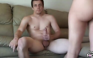 Stacked amateur porn housewife takes a big gumshoe fo