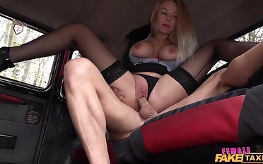 Panhandler fucks this milf ergo hard that she cums twice